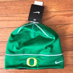Nike Oregon Ducks Therma Fit Beanie NWT